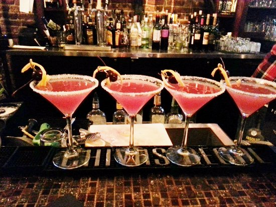 Grants Pass, OR: Great martinis at the Bohemian Bar & Bistro!