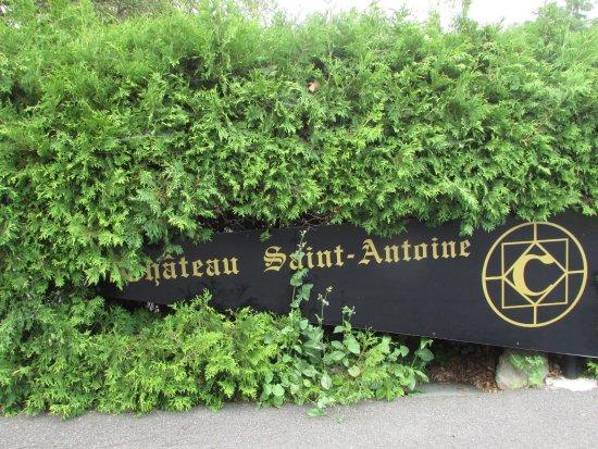 Saint-Antoine-sur-Richelieu, Canada : entrée du stationnement