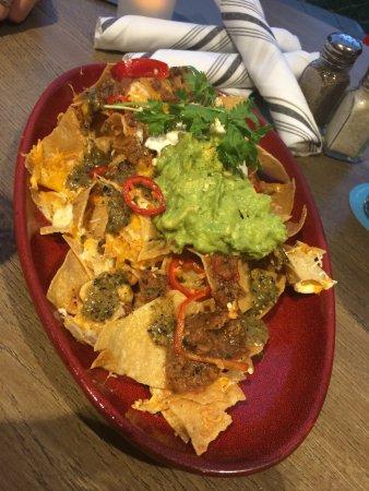Maui Brewing Company: guacamole nachos