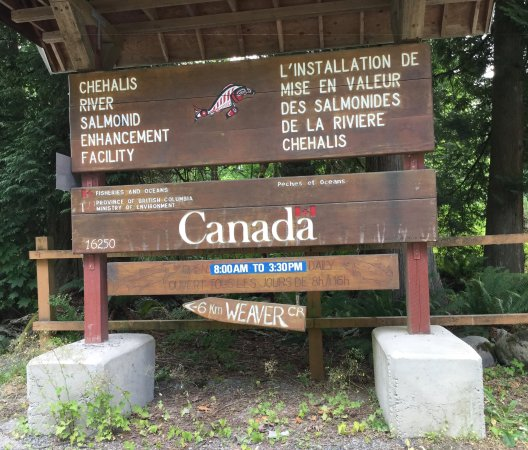 Agassiz, Kanada: Sign at entrance to facility.