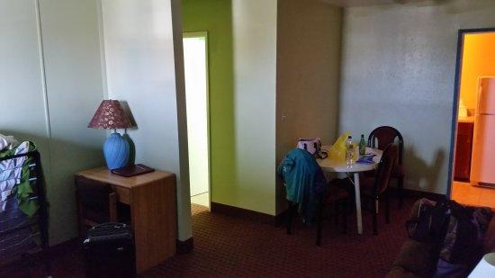 Money Saver Motel: 20170803_103812_large.jpg