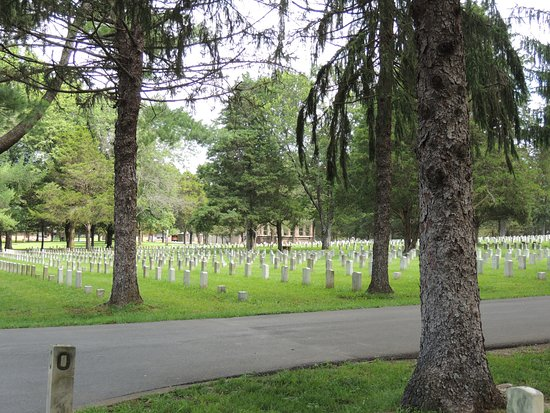 Murfreesboro, TN: Cemetery from the Parking Lot