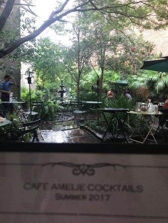 Cafe Amelie: Love