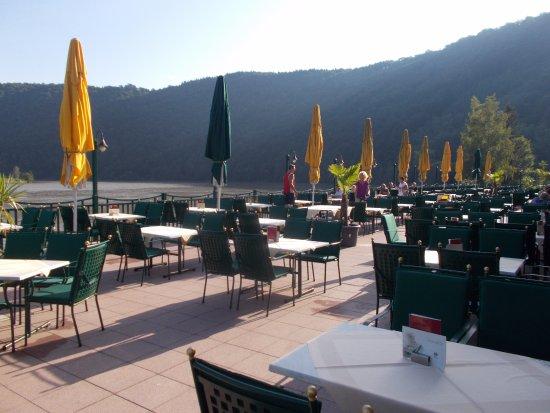 Schlogen, Austria: Possibilità di mangiare affacciati al Danubio