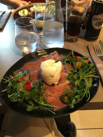 Lo Zafferano: Mouthwatering Italian food, very close to what we would have at home!