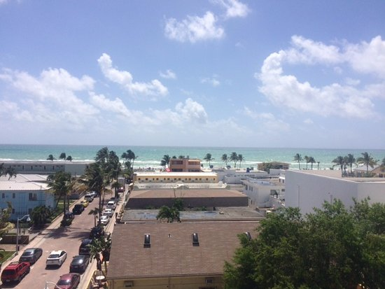 Rooftop Resort: VIEW OF THE ATLANTIC FROM THE ROOFTOP