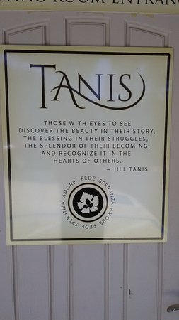 Ione, Kalifornien: Welcome to Tanis! Mr. Awesome is on the other side of this door.
