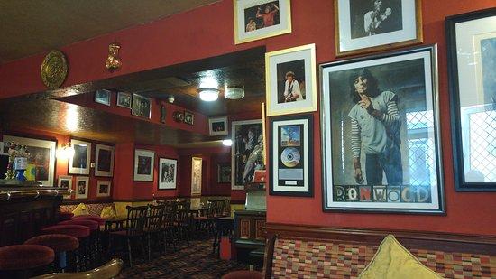 Mornington Hotel: The Bar