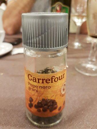 "La Goletta: Elegante pepe ""Carrefour"""