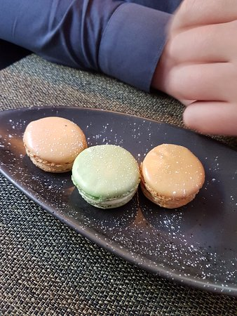 The Westwood Restaurant: Dessert: U0027Wu0027 Macaron Selection