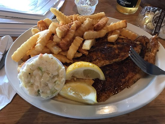 Capt'n Con's Fish House: Grouper and front page of menu