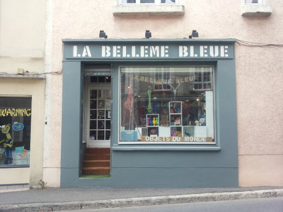 Belleme, Франция: The shop from outside