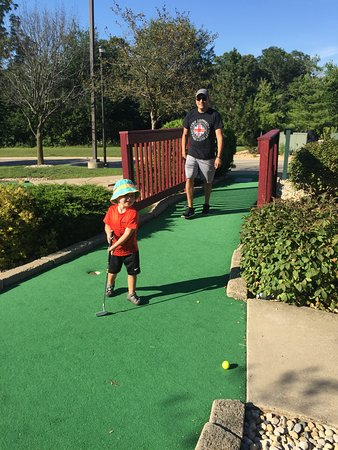 Holiday Inn Club Vacations Fox River Resort: Miniature golf!!
