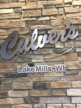 Lake Mills, Ουισκόνσιν: Home of the butter burger!