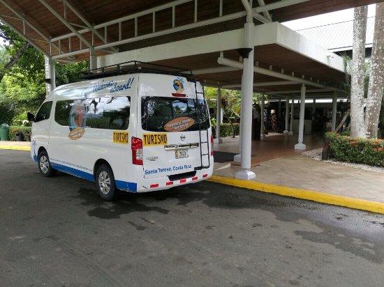 Tropical Tours Shuttles: Shuttle Bus at Barcelo Playa Tambor in Puntarenas