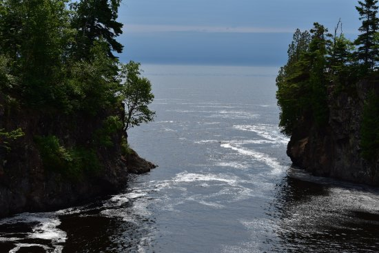 Schroeder, MN: Mouth of the Temperance River as it enters Lake Superior