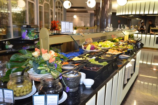 Tremendous Delicious Food In Buffet Bild Von Jardines De Nivaria Download Free Architecture Designs Scobabritishbridgeorg