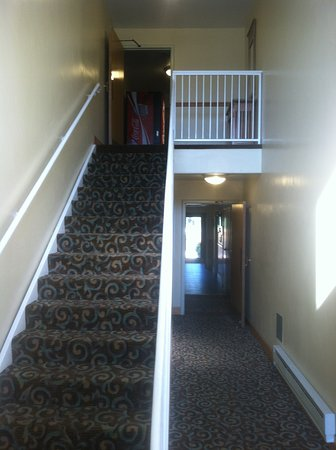 Best Western Vista Inn: Here are the stairs; there is no elevator in the hotel.