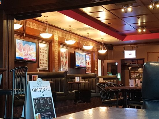20170805 165704 Large Jpg Picture Of Piggy S Pub Grill Saskatoon Tripadvisor