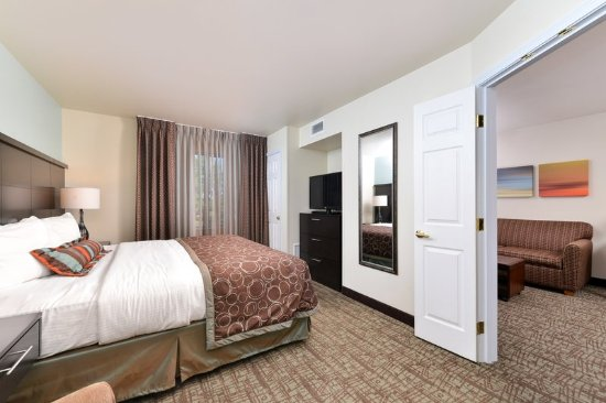 Staybridge Suites Sioux Falls: One Bedroom King Suite