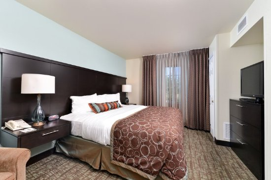 Staybridge Suites Sioux Falls: Two bedroom two bath suite