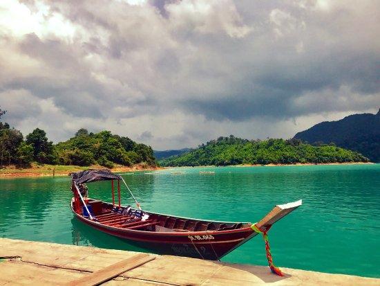 Khao Sok National Park: Райское место, природа не обыкновенной красоты. Обязательно посетить Озеро и по возможности оста