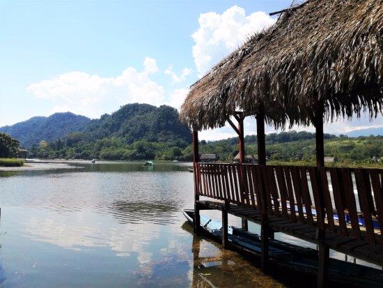 Tingo Maria, Perù: La bella Laguna de los Milagros.