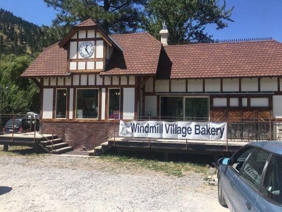 Ravalli, MT: Windmill Village Bakery