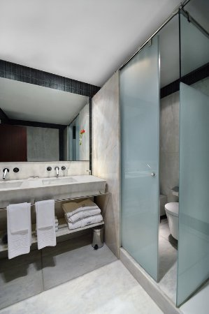 Bathroom at Hotel Villa Real Madrid