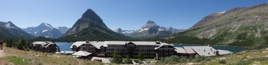 Many Glacier Lodge: Be sure to walk up the stairs to the parking lot for this view