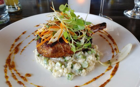 Aurora, Kanada: Grilled marinated pork chop