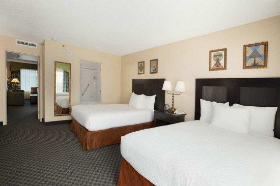 Miami Springs, FL: Double Bedroom Miami
