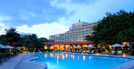 El Embajador, a Royal Hideaway Hotel: Pool Nighttime