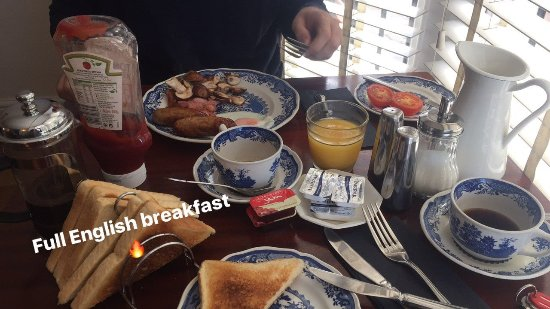 Coward 39 s guesthouse bewertungen fotos preisvergleich for Anatolia cuisine brighton