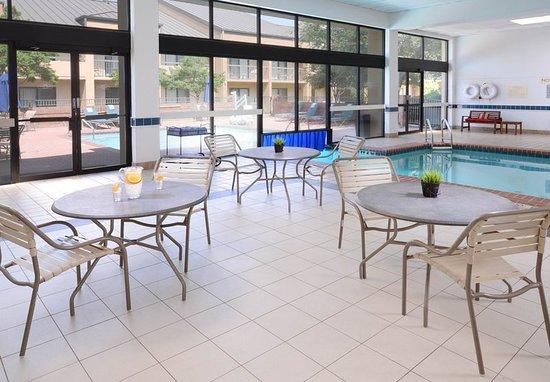 เออร์วิง, เท็กซัส: Indoor Pool Area