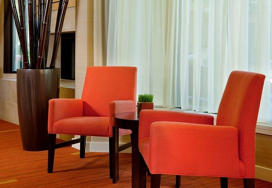 Irving, TX: Lobby Lounge