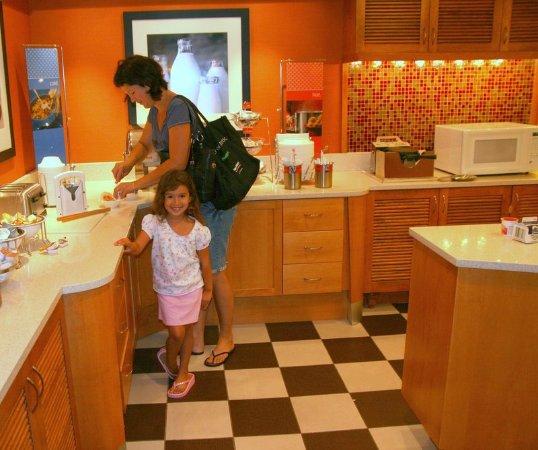 Hampton Inn Baltimore / White Marsh: Breakfast Buffet
