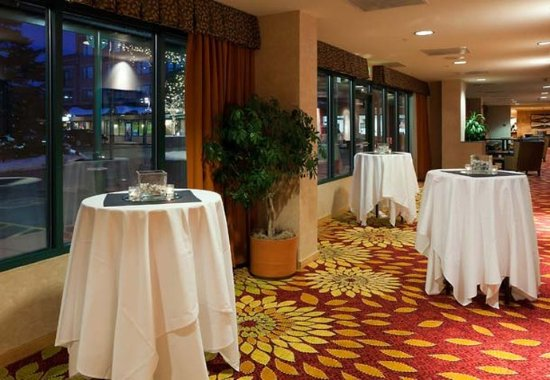 Boulder Marriott: Pre-Function Area