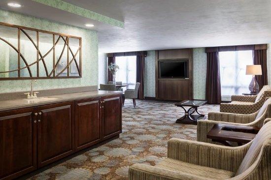 Holiday Inn Rock Island - Quad Cities - Club Floor Guest Lounge