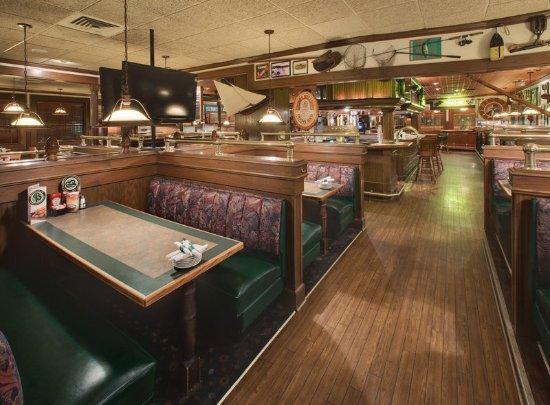 Rock Island, IL: Bennigan's Bar and Grille