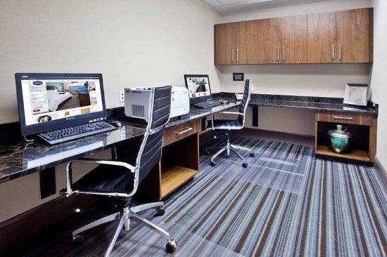 Hampton Inn & Suites Chapel Hill/Carrboro: Business Center