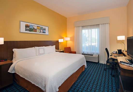 Tifton, GA: King Guest Room
