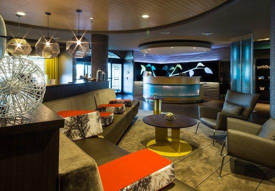 Quakertown, PA: Lobby - Seating