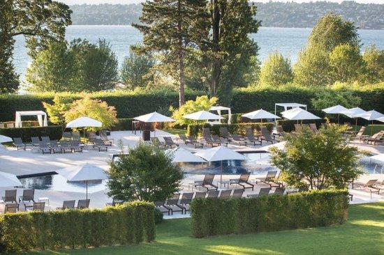 Bellevue, สวิตเซอร์แลนด์: Pool Park La Reserve Geneve 2