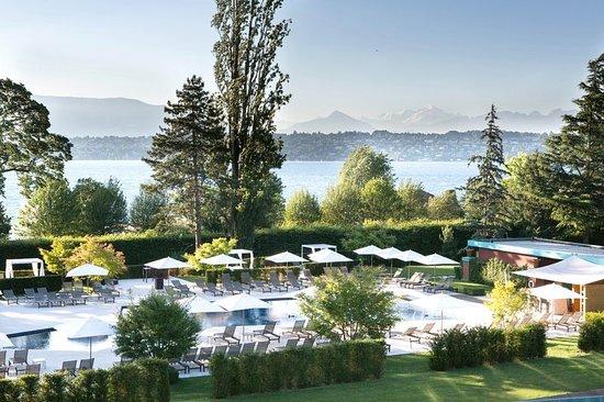 Bellevue, สวิตเซอร์แลนด์: Pool Park La Reserve Geneve 1