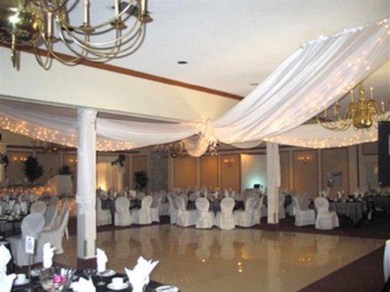 Best Western Plus Guildwood Inn: Ballroom
