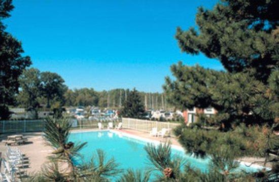 Best Western Plus Guildwood Inn: Swimming Pool
