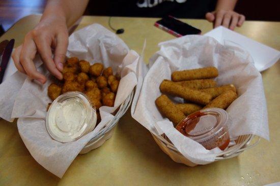 นิวบัฟฟาโล, มิชิแกน: Fried Cauliflower and Cheese Sticks