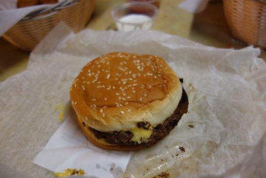 นิวบัฟฟาโล, มิชิแกน: Cheeseburger