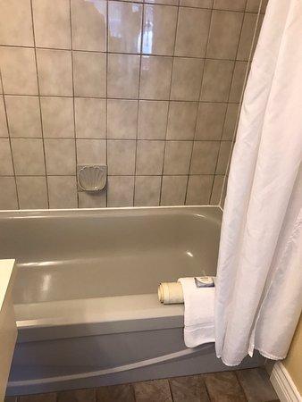 Kelowna Inn & Suites: photo0.jpg